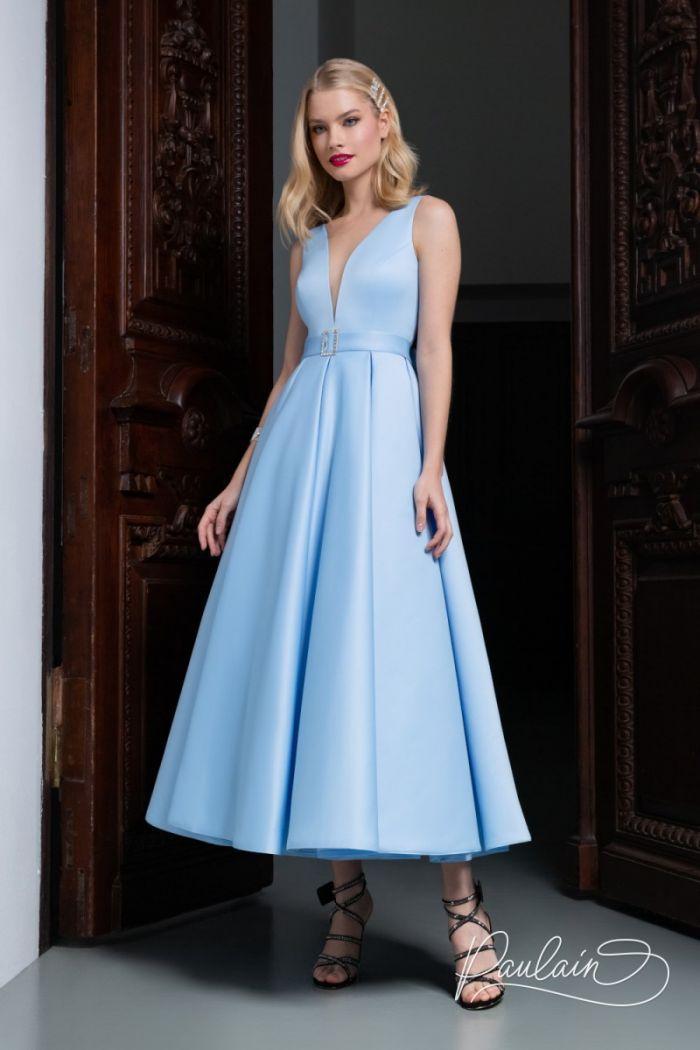 Лаконичное вечернее платье из атласа чайной длины с глубоким декольте ЛИВ Чайная