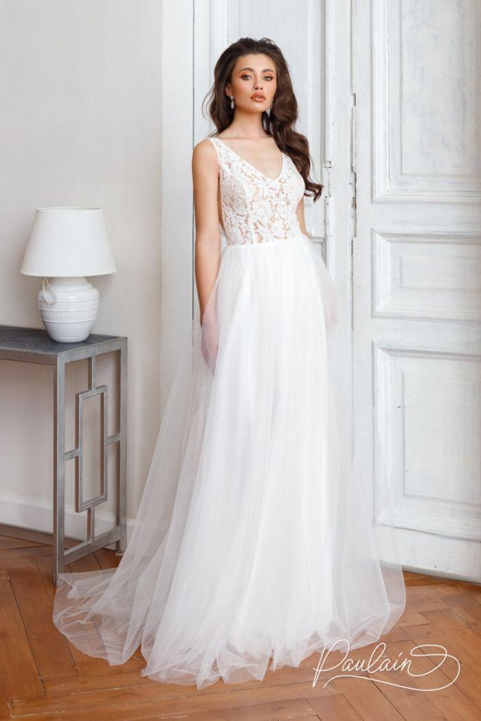 Легкое свадебное платье с воздушной юбкой и кружевным лифом с открытой спиной СЭМ
