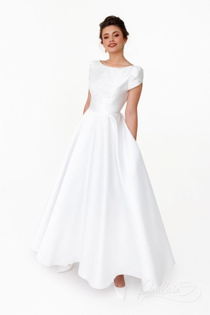 Длинное свадебное платье королевского А-силуэта с коротким рукавчиком ТУТТА