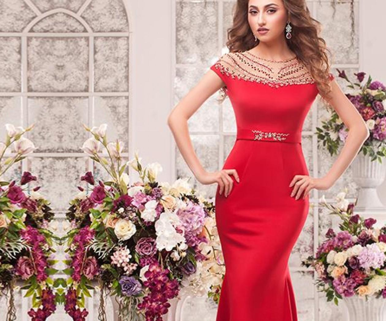 Шикарное красное вечернее платье, расшитое кристаллами ВАСИЛИНА