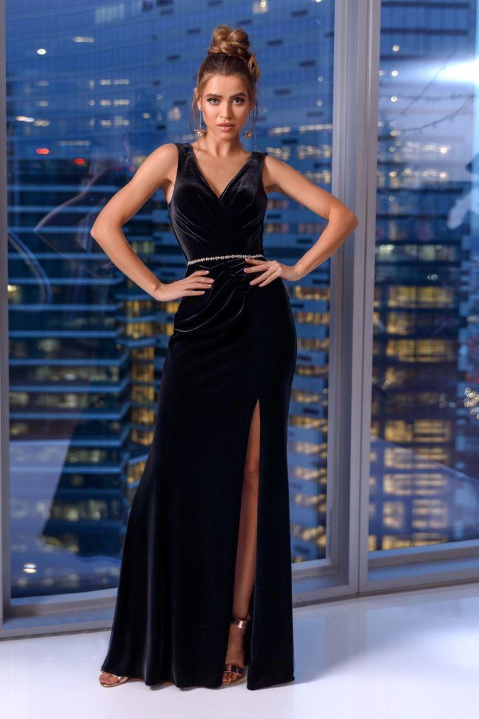 Элегантное вечернее бархатное платье с открытой спиной и разрезом 31413