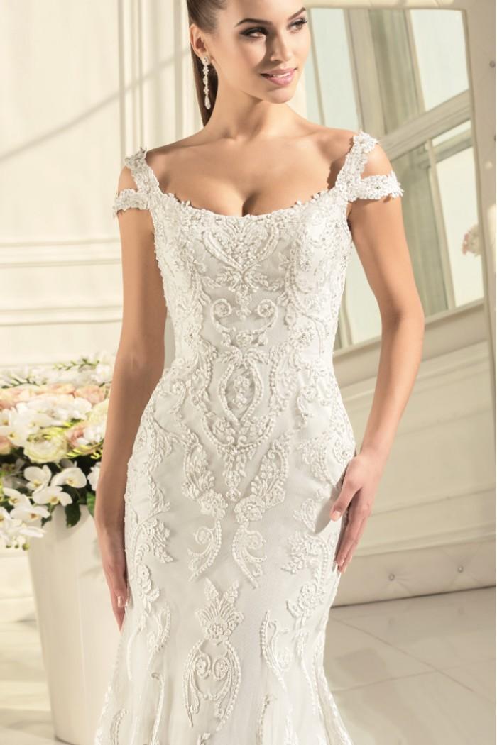 Восхитительное кружевное свадебное платье силуэта  АГАТА
