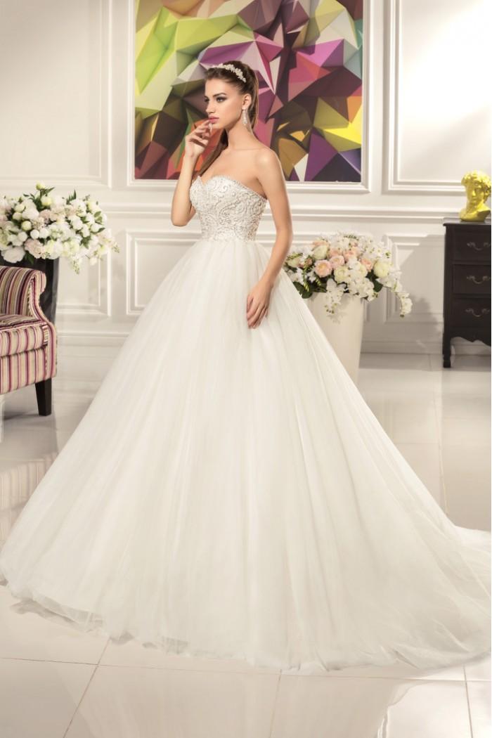Супер пышное свадебное платье со шлейфом АЛЕКСАНДРА