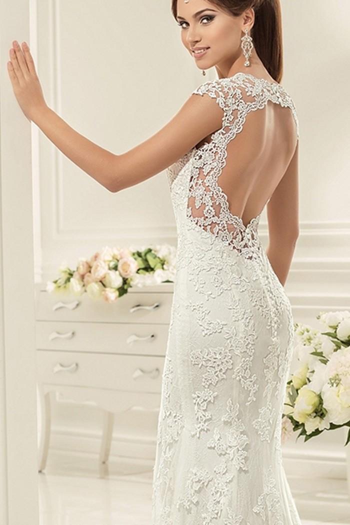 Выполненное из эксклюзивного кружева свадебное платье ЭЛИСОН