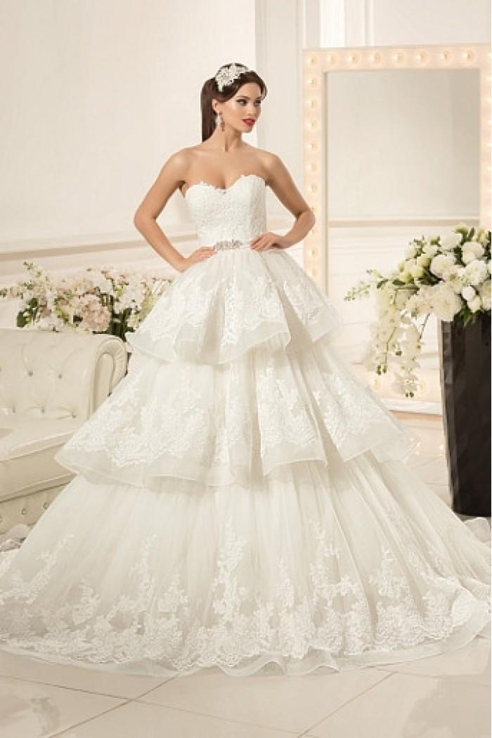 Свадебное платье с пышной многоярусной юбкой АМАНДА