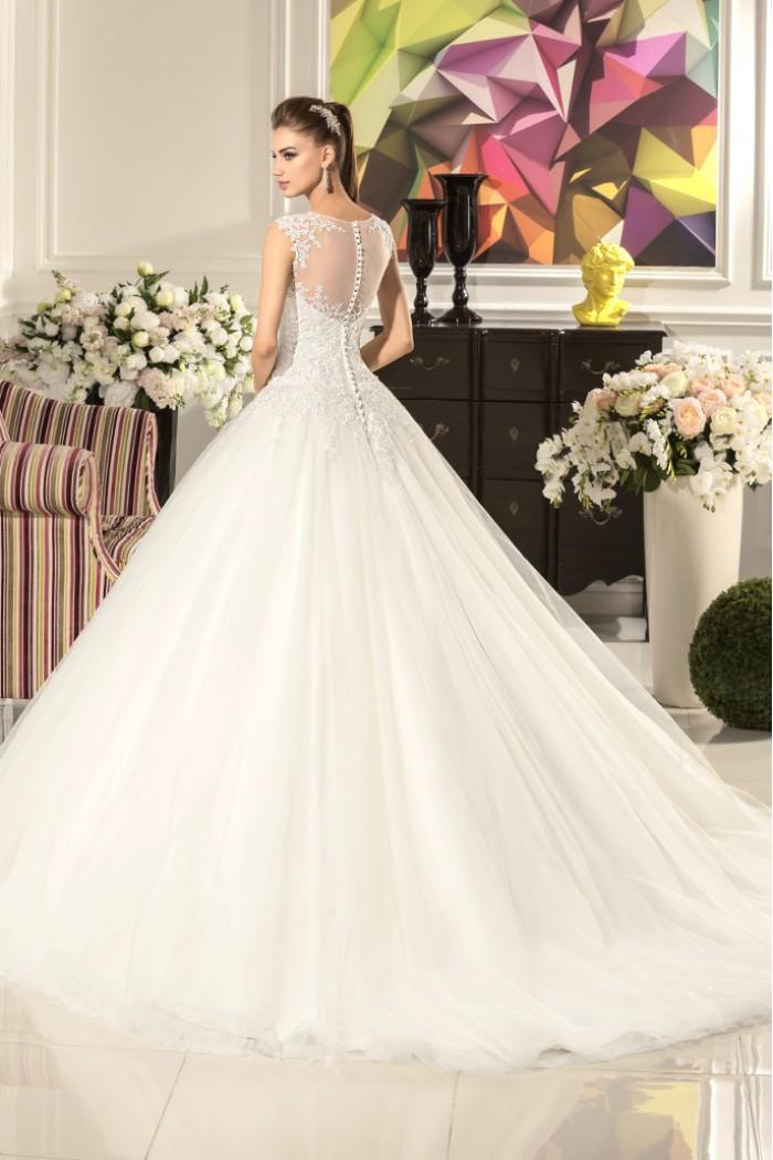Свадебное платье с заниженой талией и пышной юбкой АНДРЕА