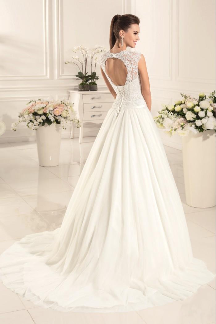 Благородное свадебное платье с кружевным корсетом АВГУСТА