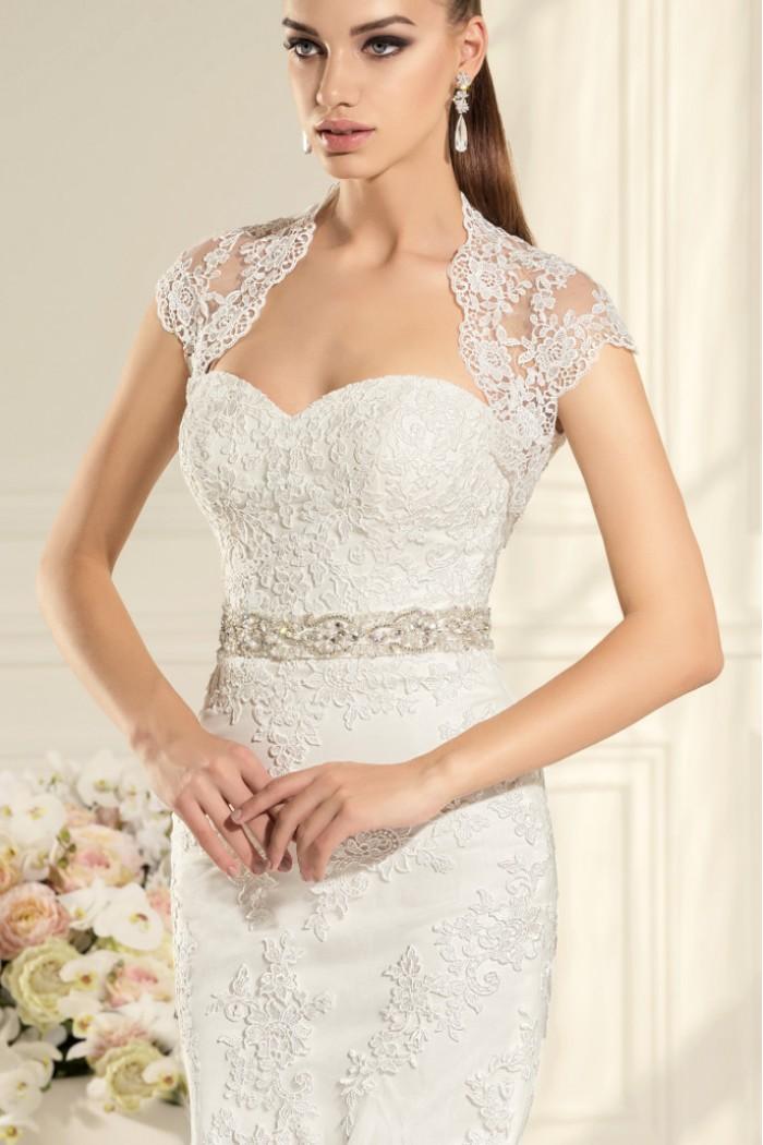 Элегантное открытое кружевное свадебное платье силуэта русалка АВЕЛИН