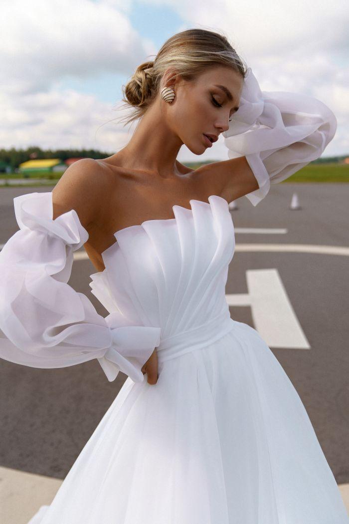 Воздушное свадебное платье из драпированной органзы со съемными рукавами ЧЕЛСИ