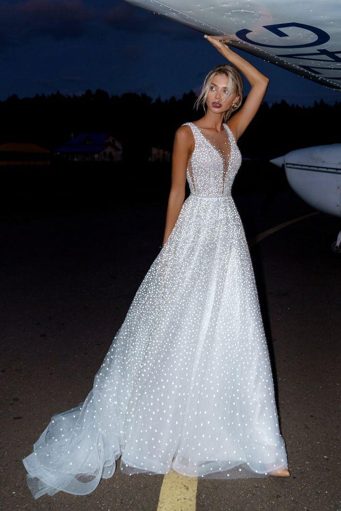 Ослепительное свадебное платье А-силуэта для стройной невесты КЕЛЛИ