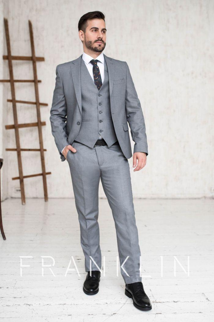 Серый мужской костюм тройка CRAWFORD GREY
