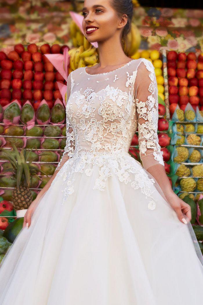 Свадебное платье с пышной юбкой и кружевным лифом с рукавами ИРЛЕНА
