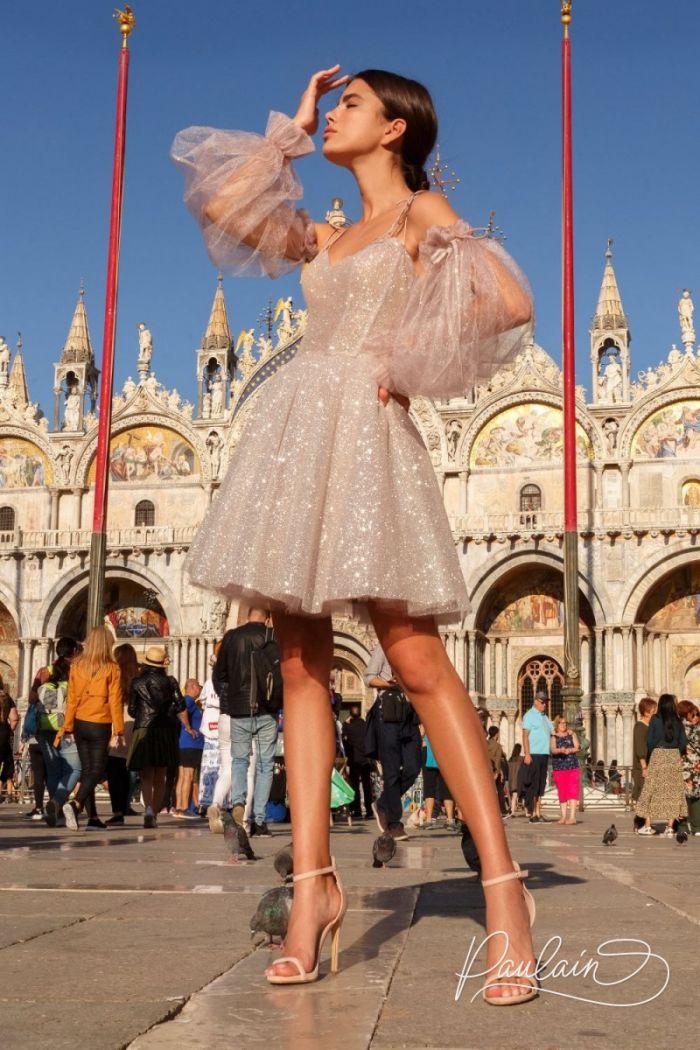 Короткое платье из блестящей ткани с пышной юбкой и объемными рукавами АНЖЕЛИКА