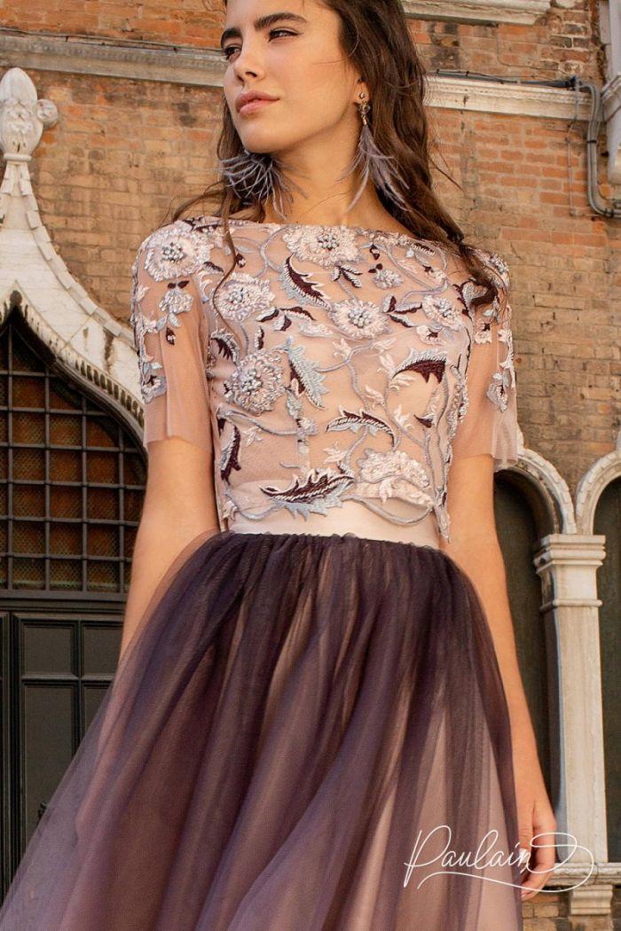 Декорированный вручную кружевной топ и пышная юбка длины миди ПОКАХОНТАС