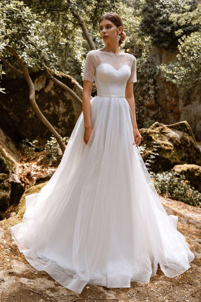 Свадебное платье с атласным корсетом и легкой юбкой с напылением SV 331