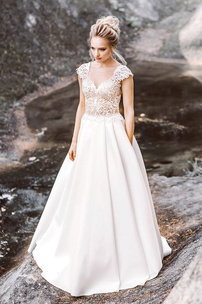 Атласное свадебное платье молочного цвета в европейском стиле ГЛЭДИС