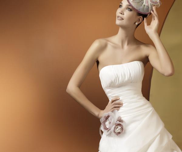 Салон PAULINE впервые в Хабаровске представляет эксклюзивную марку свадебных платьев Pierre Cardin Sposa от известного мирового дизайнера Pierre Cardin